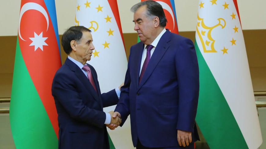 Рахмон обсудил с премьером Азербайджана сотрудничество в экономике и торговле