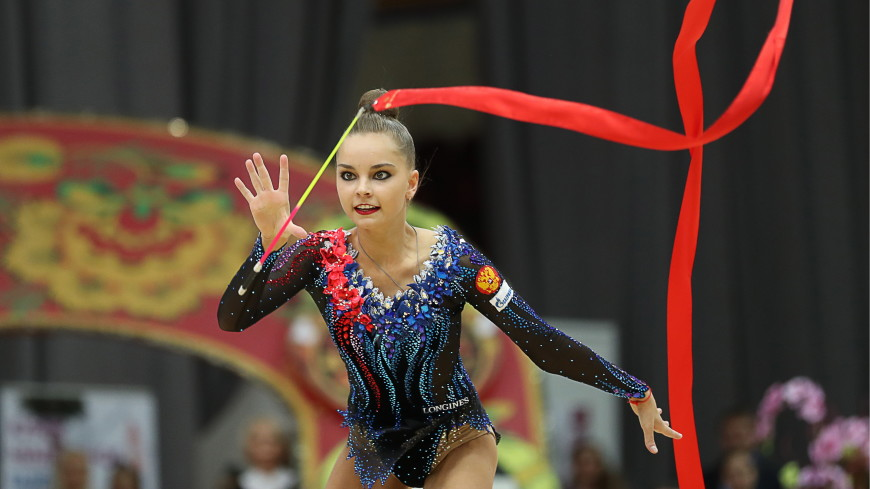 Арина Аверина взяла золото ЧР по художественной гимнастике в многоборье