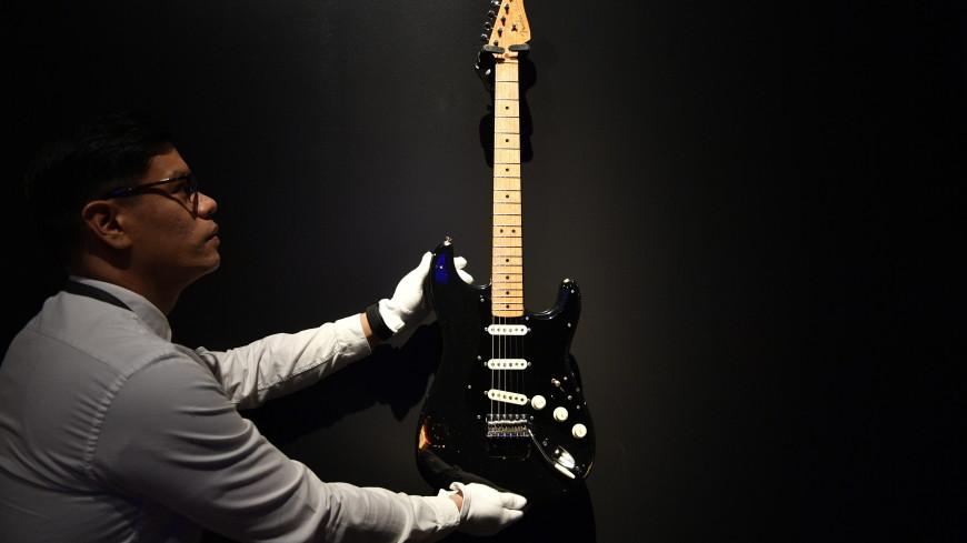 В США ушла с молотка уникальная коллекция гитар лидера Pink Floyd
