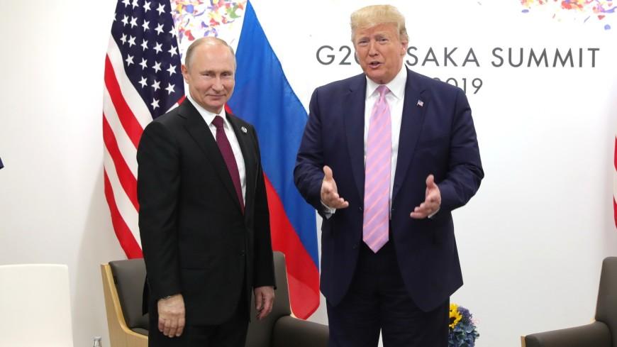 Журналисты не хотели покидать помещение, где проходят переговоры Путина и Трампа