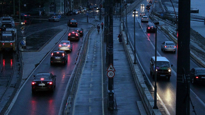 "© Александр Попов, ""«МИР 24»"":http://mir24.tv/, фото, ночь, будапешт, дорога, автомобили"