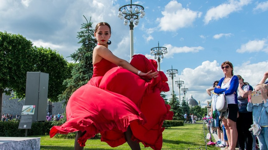 Румба и самба: в московском парке ВДНХ откроется танцевальный сезон