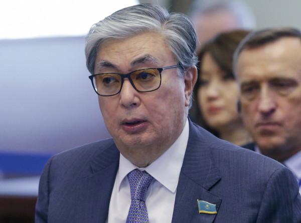Казахстан временно возглавит Касым-Жомарт Токаев: что о нем известно