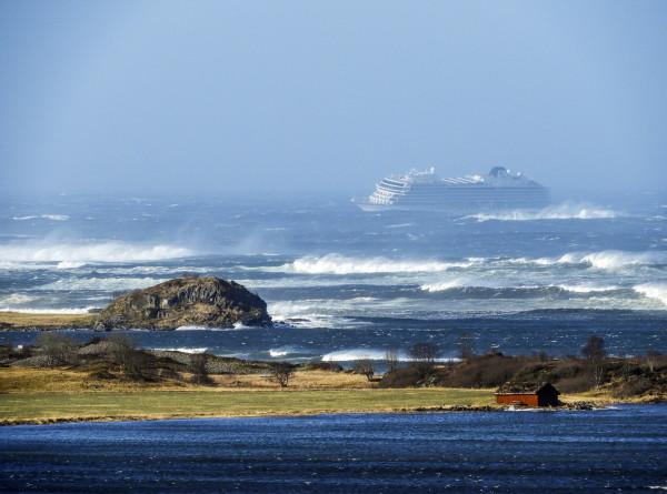 Спасение Viking Sky: с норвежского «Титаника» эвакуировали пассажиров