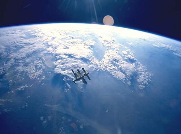 Нечего надеть: исторический выход в космос двух женщин отменен