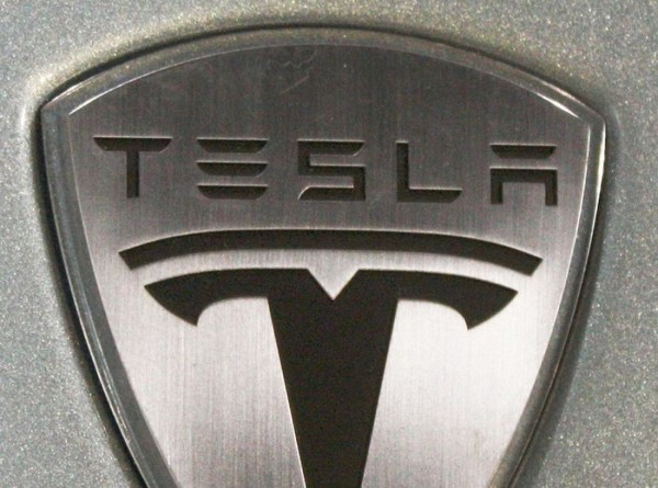 Tesla показала новый электромобиль – кроссовер Model Y