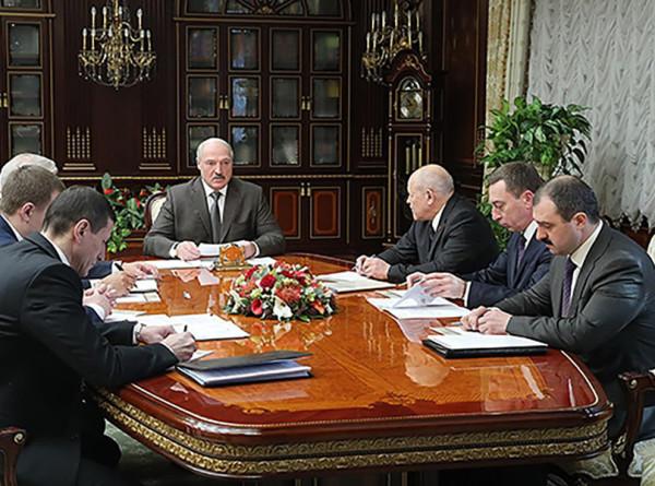 Лукашенко призвал улучшить позиции Беларуси в мировых рейтингах развития ИКТ