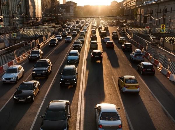 Купание «железного коня»: в Баку пользуется популярностью мобильная автомойка