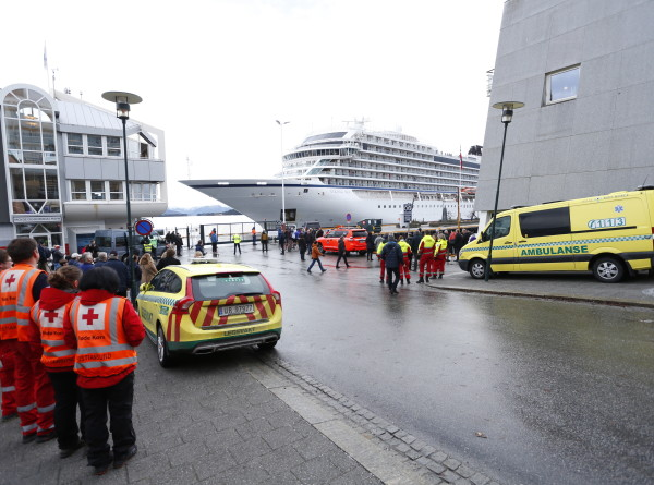 Спасательная операция в Норвегии: на борту Viking Sky пострадали 27 человек
