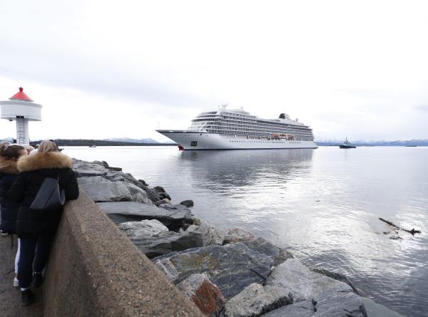 Более 10 пассажиров лайнера Viking Sky остаются в больницах