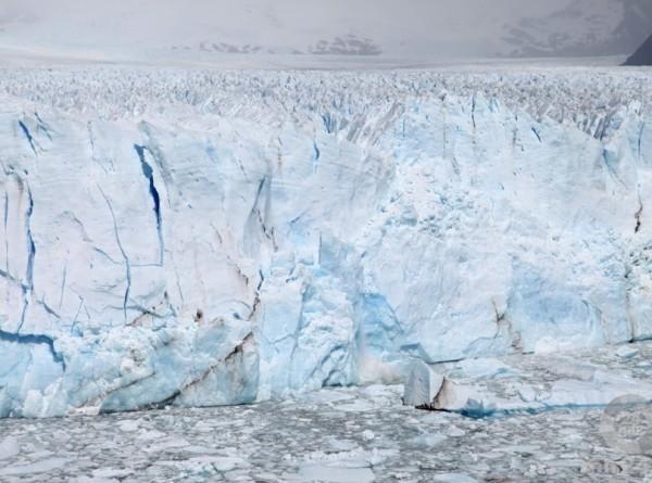 Крупнейший ледник Гренландии вновь начал расти