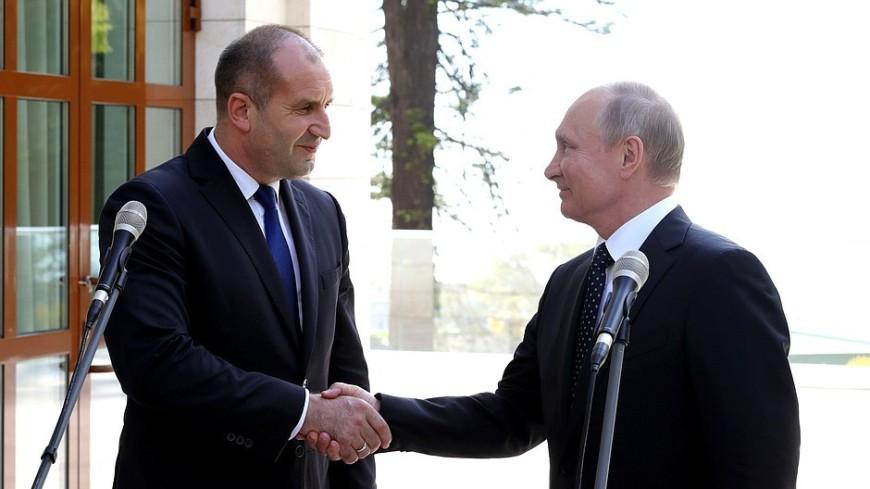 Путин поздравил президента Болгарии с Днем освобождения от османского ига
