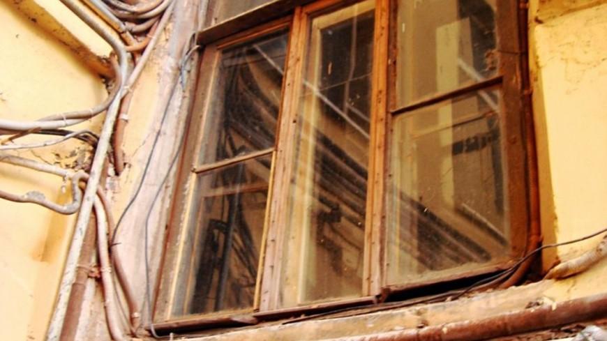 """© Фото: Елизавета Шагалова, """"«МИР 24»"""":http://mir24.tv/, разрушение, окно, старый дом"""