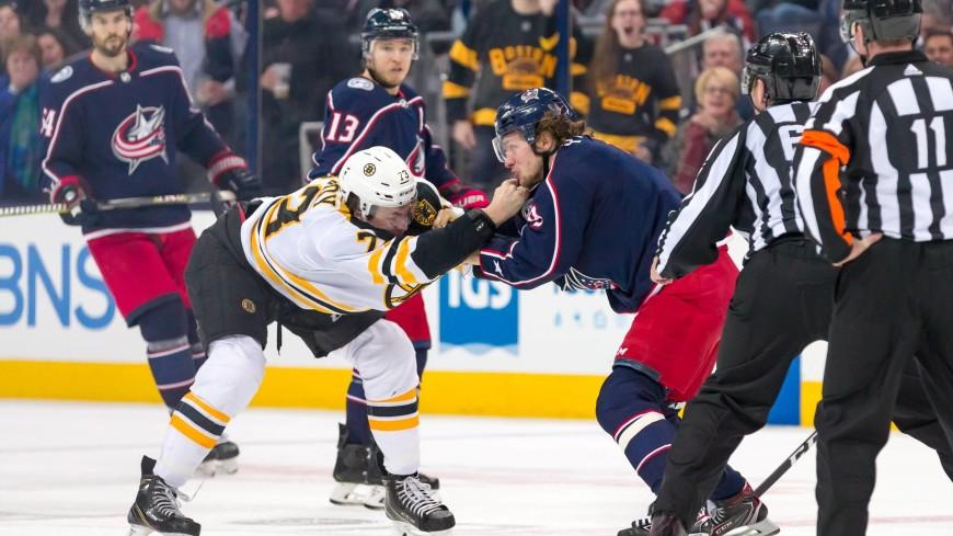 Панарин в матче НХЛ не уступил в драке с большим защитником