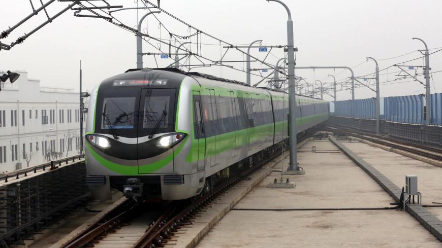 Два поезда столкнулись ночью в метро Гонконга