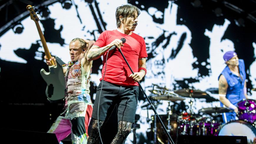 Red Hot Chili Peppers зажгли у египетских пирамид