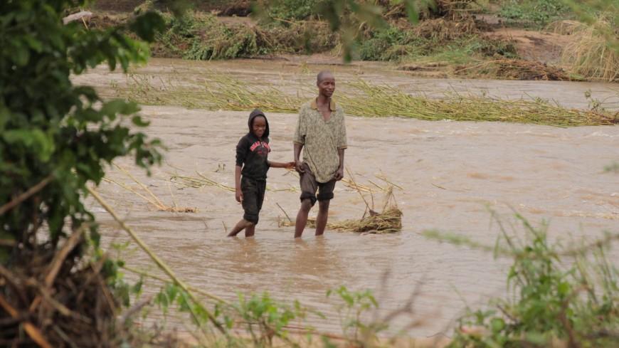 Число погибших при наводнении в Зимбабве достигло 64 человек