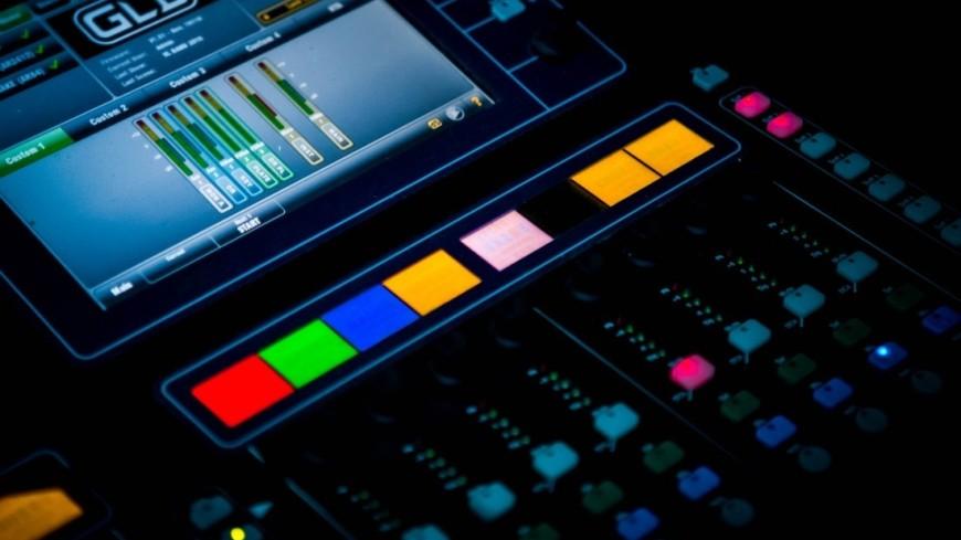 Песни пишут роботы: Warner Music впервые заключил контракт с алгоритмом