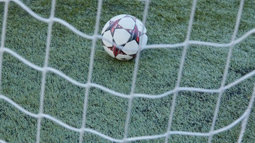 «Эберхард» сыграл за гостей: футболист не смог забить гол в пустые ворота