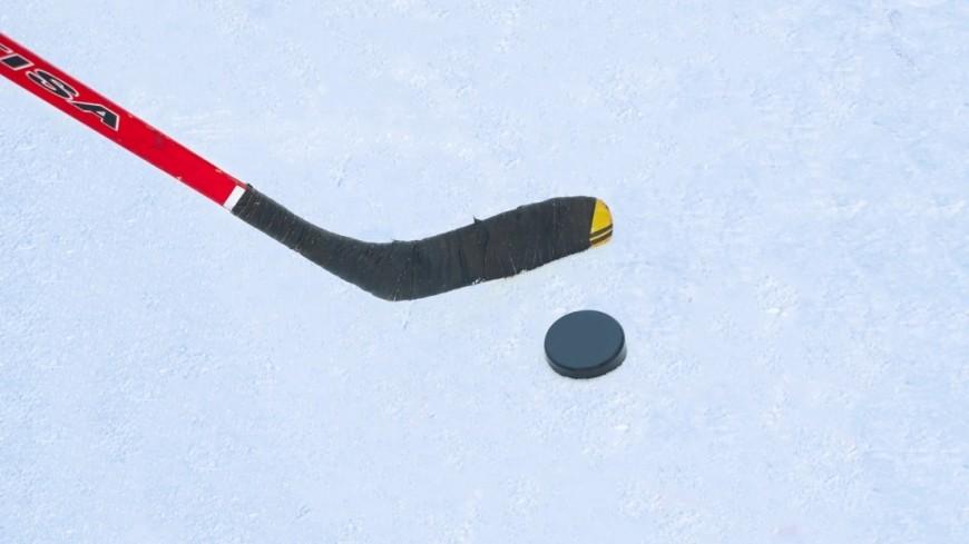 Команда Лукашенко вышла в плей-офф любительского турнира по хоккею