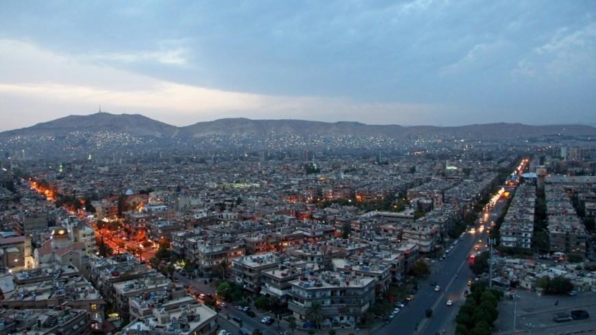 """""""Фото: Сергей Любавин, «МИР 24»"""":http://mir24.tv/, панорама, сирия, повседневная жизнь в сирии, разрушения, взрывы, сирийский город, вооружение, боевые действия, армия в сирии, город"""