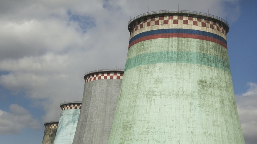 """Фото: Евгений Жуков, """"«МИР 24»"""":http://mir24.tv/, труба, теплоэлектроцентраль, тэц, электроэнергия, электричество, крещатик"""