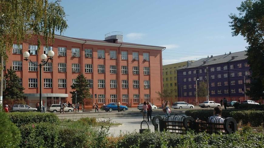 На старых зданиях Астрахани заменят ведущие на порносайты QR-коды