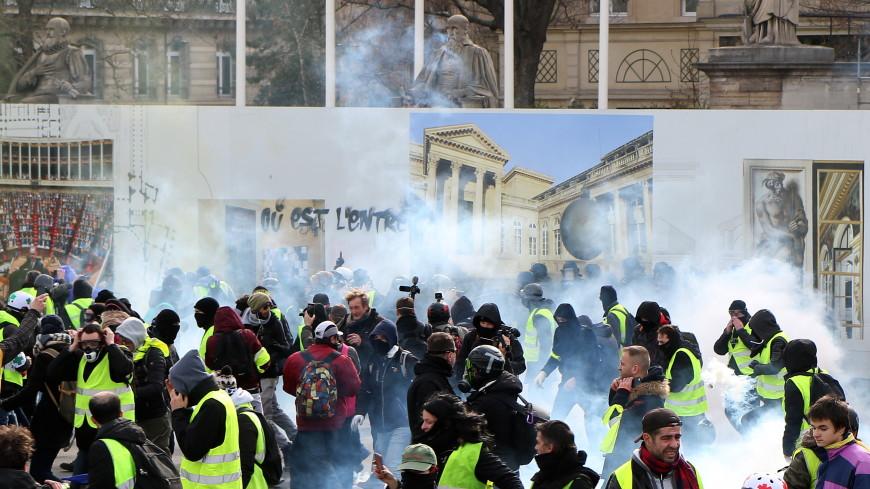 Удар во всевидящий глаз: «желтые жилеты» разгромили храм масонов во Франции
