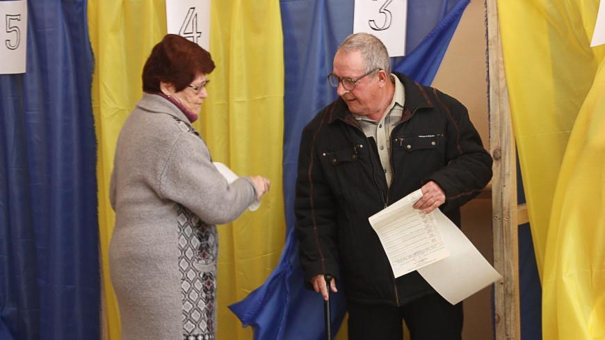 Скандал в Киеве: избирателям раздали ручки с исчезающими чернилами