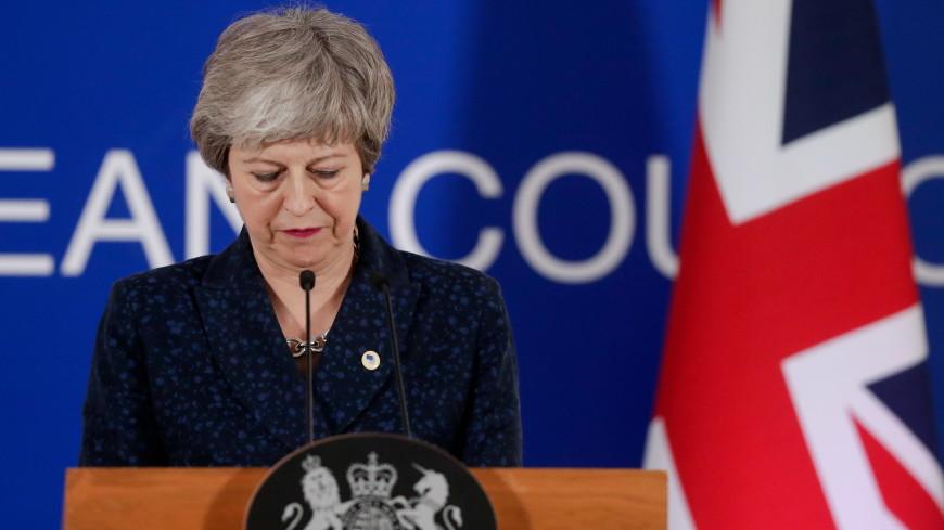 СМИ: британские министры готовят против Мэй заговор