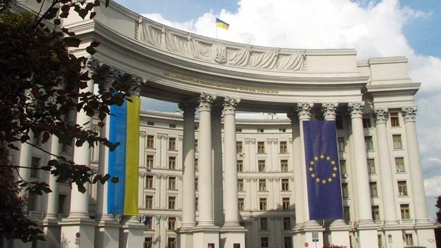 Украина перед выборами: Зеленский вновь первый
