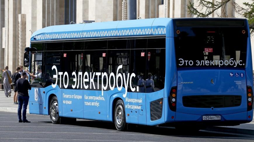 В Петербурге запустили электробусы: вместе с горожанами прокатился Беглов