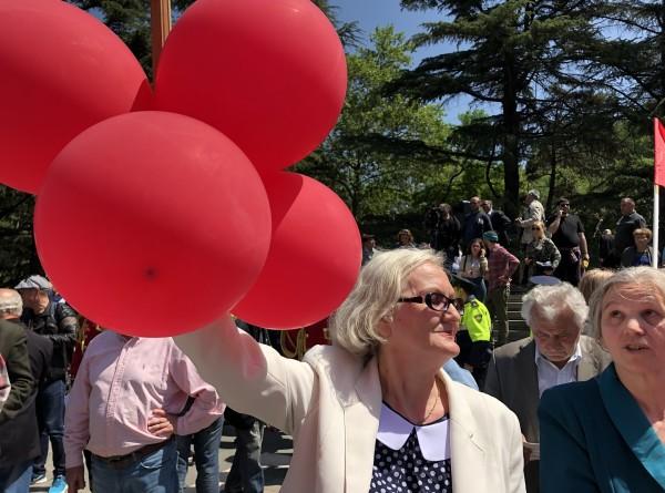 Сотни горожан пришли на торжества в Парке Победы в Тбилиси (ФОТО)