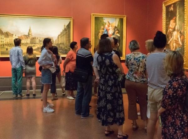 Москвичи прожили ночь в музее