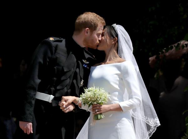 Первенец Гарри и Меган стал седьмым в очереди на британский престол (ФОТО)