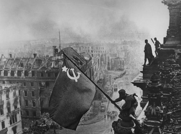 Бранденбургская богиня и конь Жукова: как рождались фотосимволы Победы