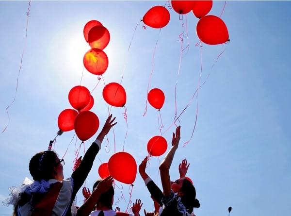 Грустный праздник: выпускники в Армении простились со школой