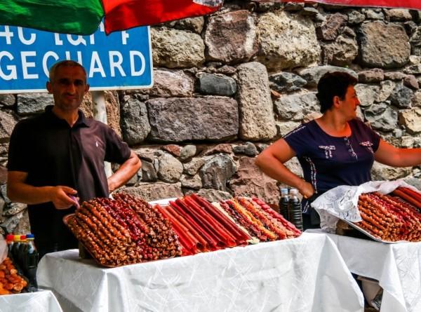 Армянская кухня с иностранным акцентом: Дилижан удивляет туристов со всего мира