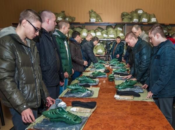 Не только стрельба и стройподготовка: что ждет призывников в России