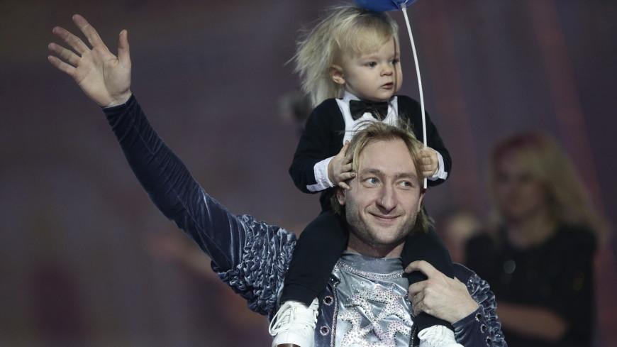 Сын Плющенко будет осваивать школьную программу дома