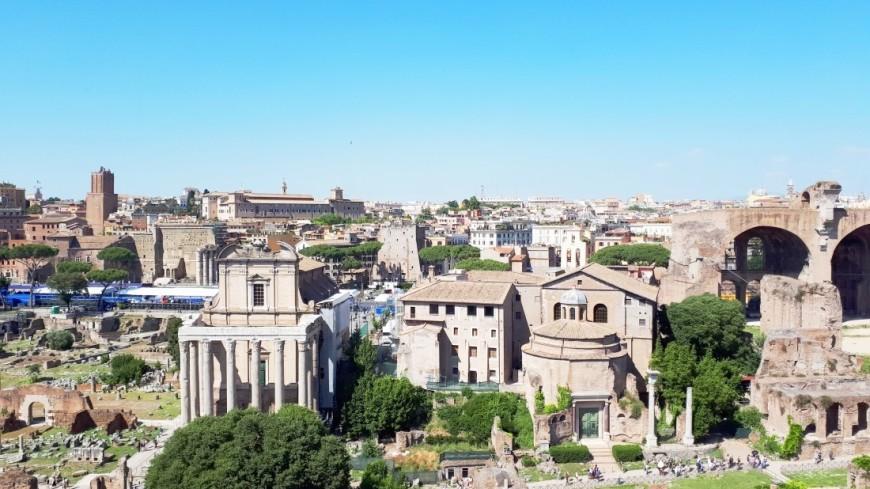В средневековой стене Рима нашли голову статуи