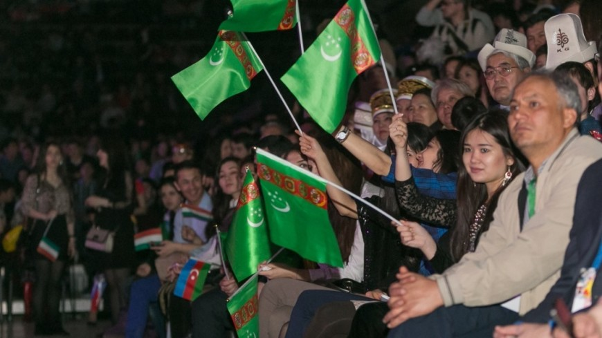 "Фото: Максим Кулачков, ""«Мир 24»"":http://mir24.tv/, навруз, флаг туркменистана, туркменистан"