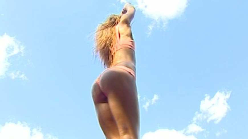 """""""Скриншот: МТРК «Мир»"""":http://mirtv.ru/, диета, попа, девушка, бикини"""