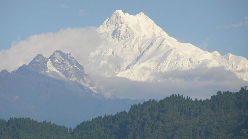 Двое индийцев погибли, пытаясь покорить третью по высоте гору в мире