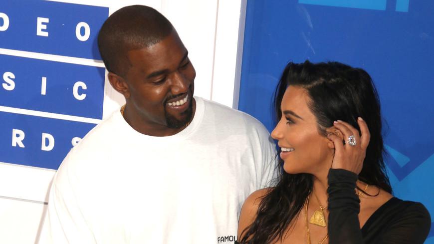 Ким Кардашьян и Канье Уэста стали родителями в четвертый раз