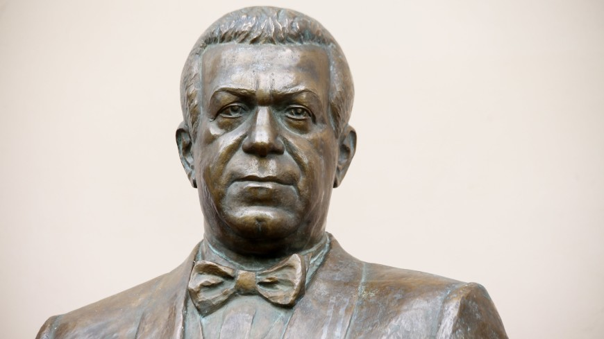 В Москве открыли памятник Иосифу Кобзону