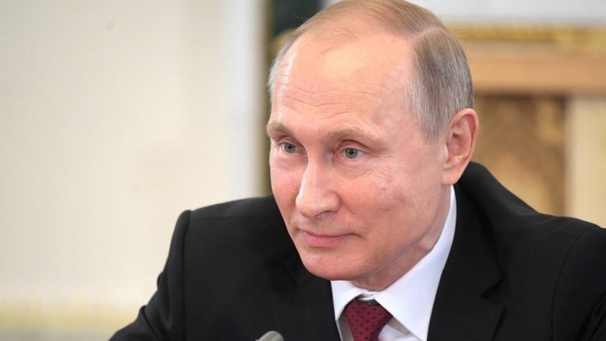 Путин наградил артистов орденами
