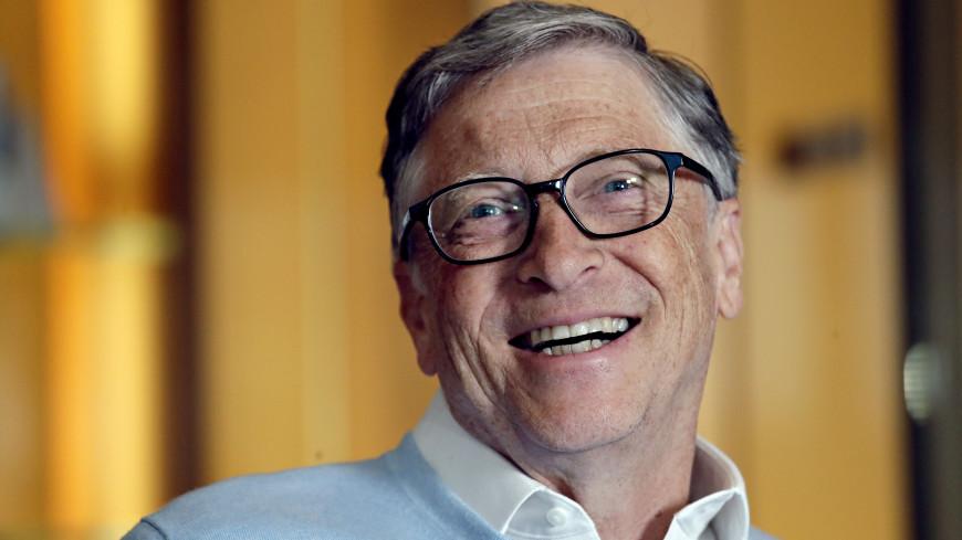 Билл Гейтс примерил клоунский нос