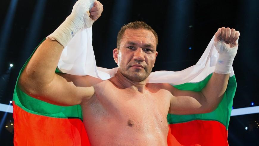Болгарский боксер заплатит штраф и пройдет курсы за поцелуй журналистки