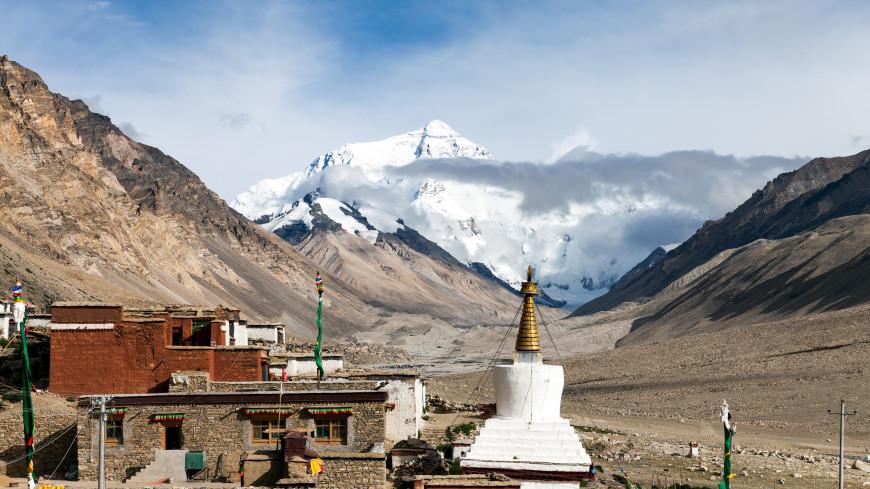 Житель Непала стал рекордсменом по числу восхождений на Эверест